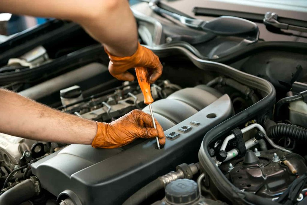 Auto Repair Service - Engine Maintenance - The Woodlands TX - Woodlands Auto Repair And Collision Center